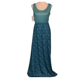 New with tags blue floral sleeveless maxi dress